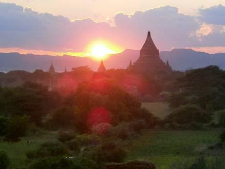 service_reiseberichte_myanmar-rundreise-myanmar-bagan.jpg