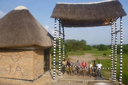 uganda-ruanda-radreise-mburo-gate